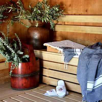 Sauna - Herbal sauna bench